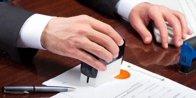 Các dịch vụ kèm theo như công chứng, sao y được công ty thực hiện nhanh chóng giúp khách hàng